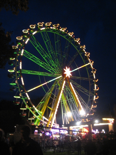Welcome-Day, Flottillenfahrt, Lightwriting zum Laternenfest