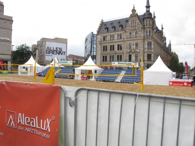 8. City Beach Volleyballturnier auf Halles Marktplatz